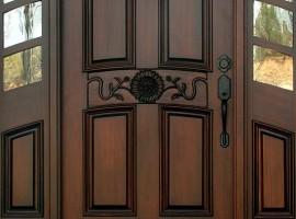 chọn màu cửa gỗ
