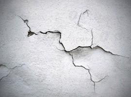 tường nhà bị nứt